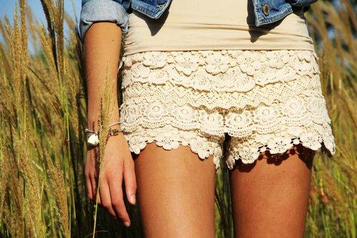 cremfarbene shorts