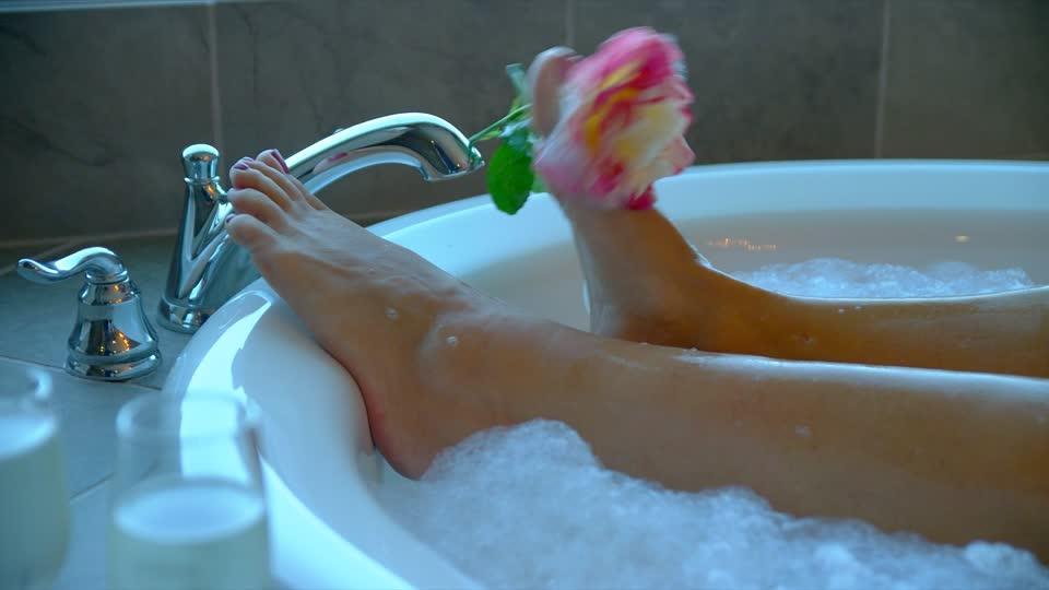 badewanne mit schaumbad