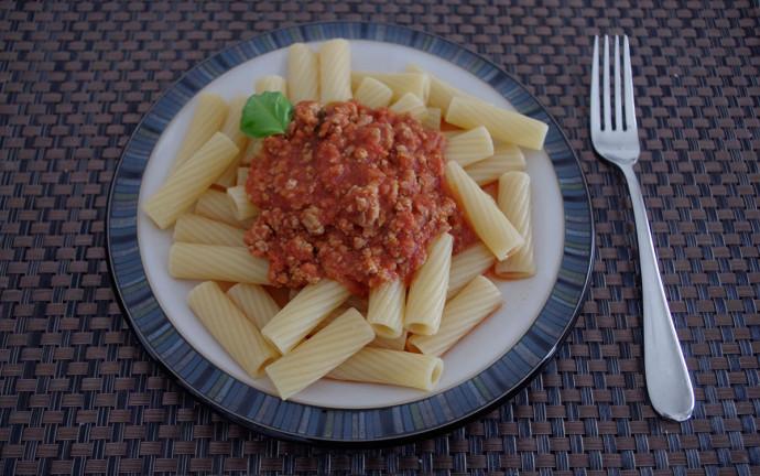 Nudel mit Ragout Mittagessen