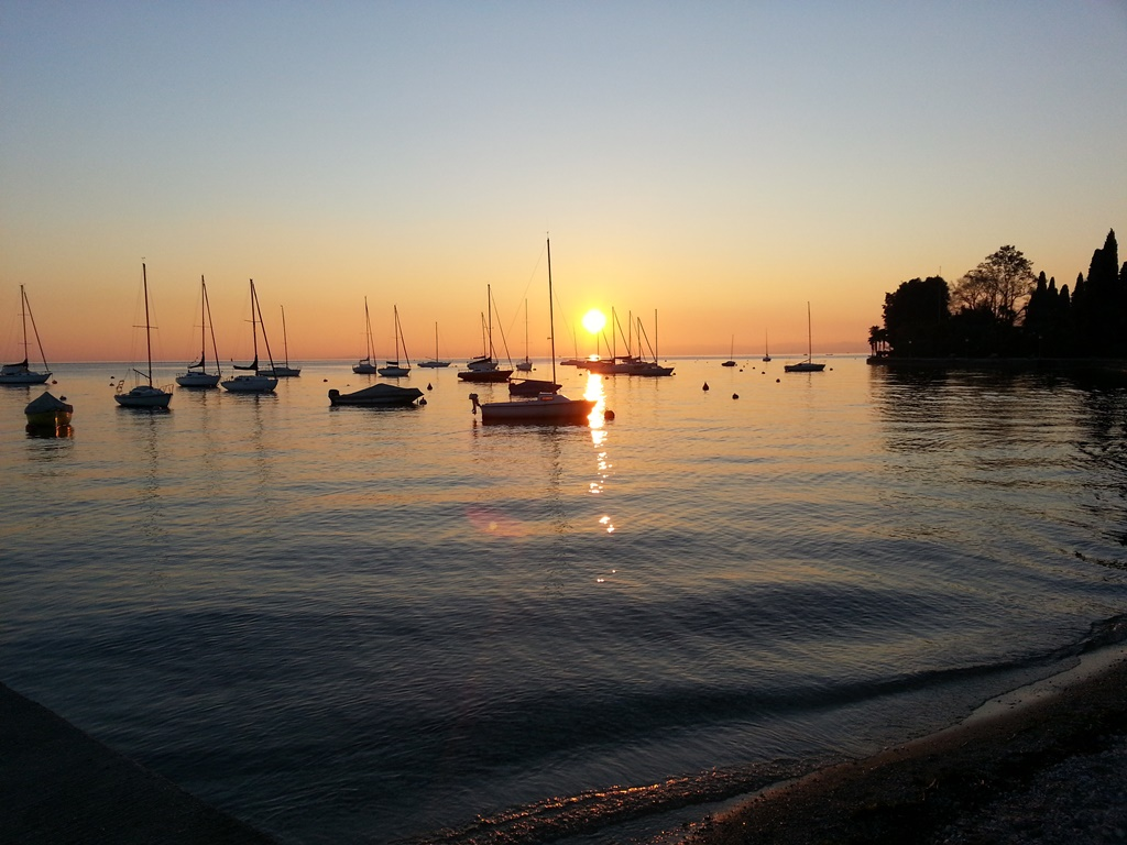 sonnenuntergang am gardasee pretty little page. Black Bedroom Furniture Sets. Home Design Ideas