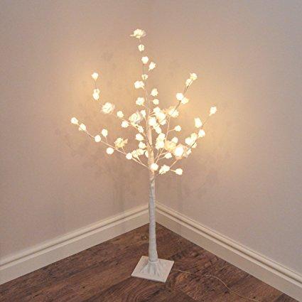 led-baum-rosen-weihnachtliche-beleuchtung